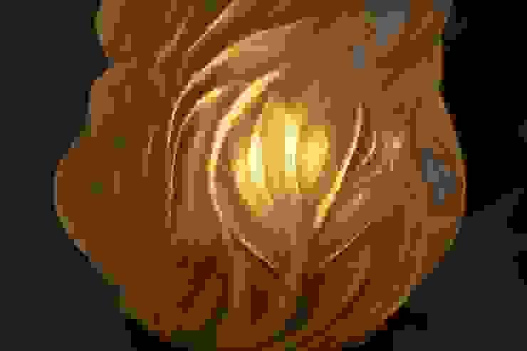 'THE EMPIRE BED WARMER' TABLE LAMP it's a light Ruang Keluarga Gaya Eklektik