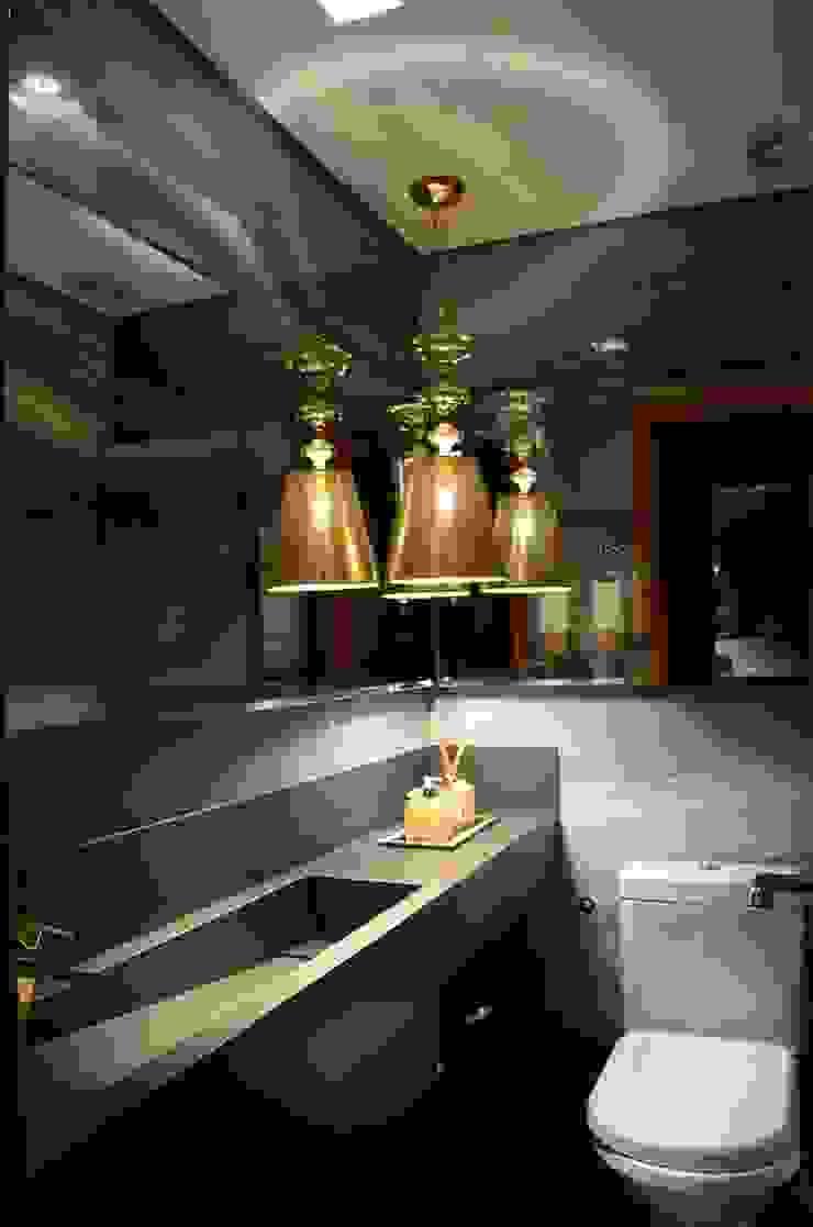 Giovana Martins Arquitetura & Interiores Modern bathroom