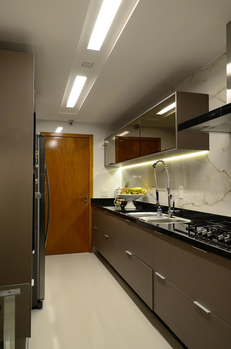 Giovana Martins Arquitetura & Interiores Modern kitchen