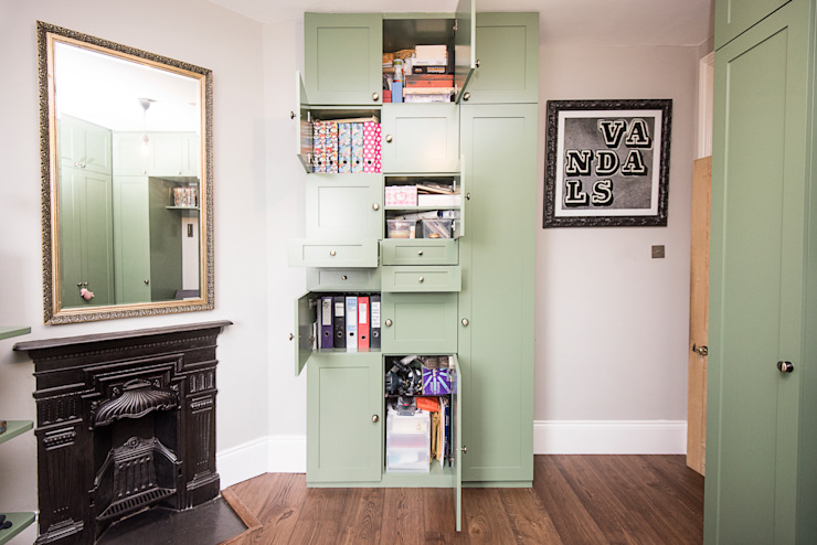 Office Storage: modern  by West London Carpentry & Decoration, Modern