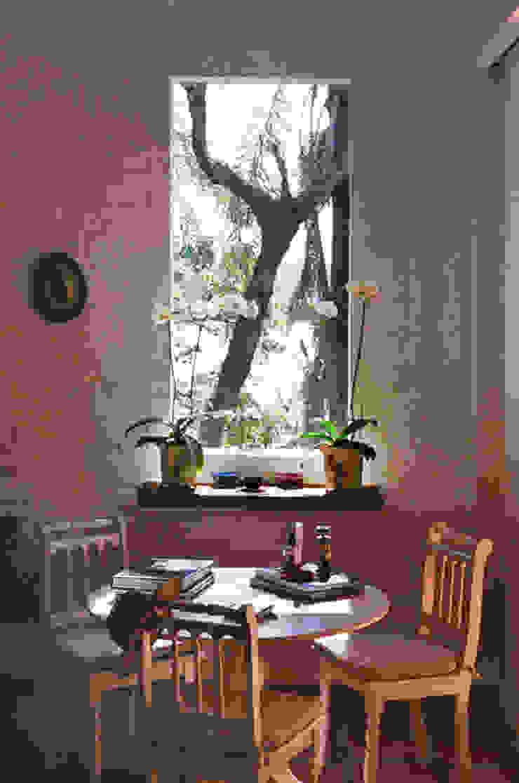 Salas de estilo rural de Célia Orlandi por Ato em Arte Rural Derivados de madera Transparente