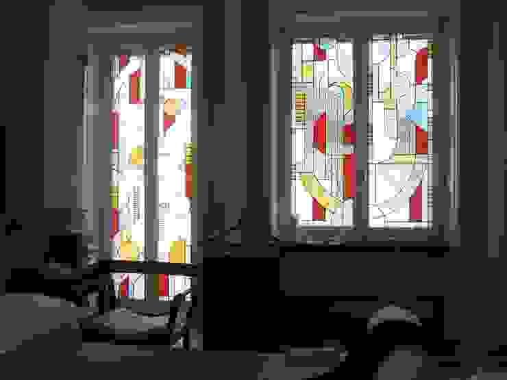 DUE ALLOGGI IN UNO IN CENTRO A MILANO Finestre & Porte in stile moderno di ARCHITETTO MARIANTONIETTA CANEPA Moderno