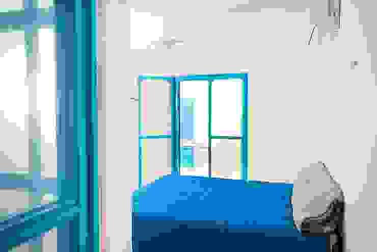 Habitaciones de estilo mediterráneo de Arq Mobil Mediterráneo