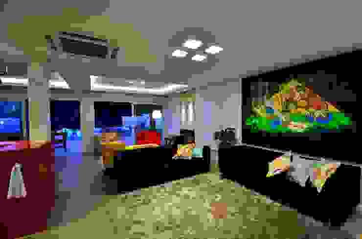 Salas de estar e cinema Modern Living Room by ARQ Ana Lore Burliga Miranda Modern