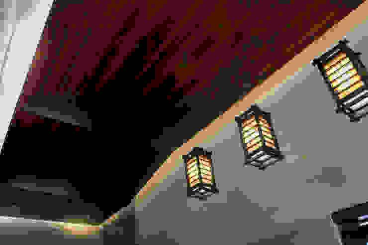 Proyectos de Luz de Arq Mobil Ecléctico Madera Acabado en madera