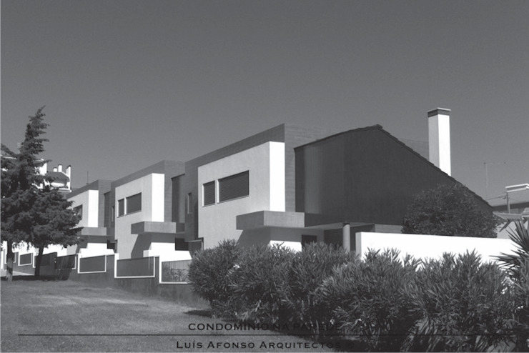 modern  oleh Luís Afonso Arquitectos, Modern
