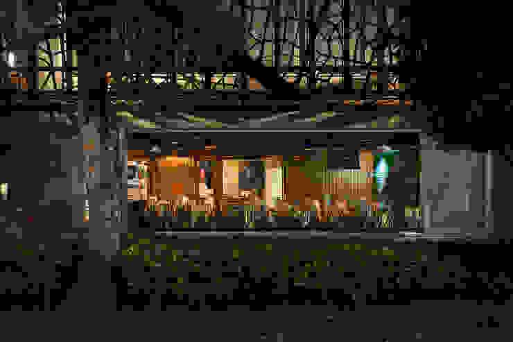 by TENTER Arquitectura y Diseño Modern