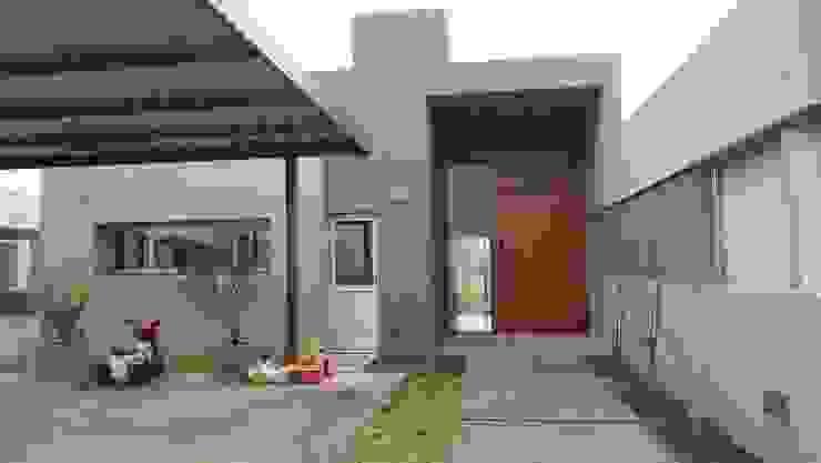 Modern houses by GANDIA ARQUITECTOS Modern Stone