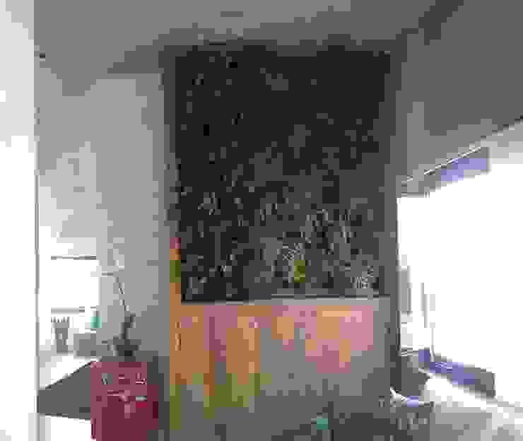 de estilo  por Top Gardens Paisagismo Vertical , Tropical