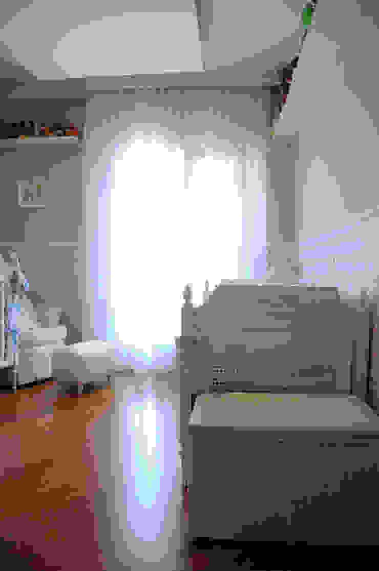 Quarto do Bebê Quarto infantil clássico por Clô Vieira Design de Interiores Clássico