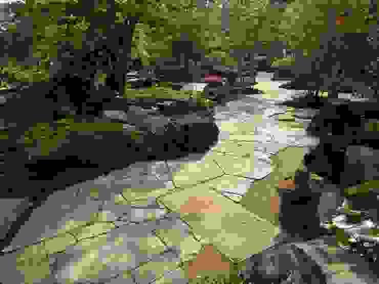 初夏の通路 オリジナルな 庭 の 木村博明 株式会社木村グリーンガーデナー オリジナル