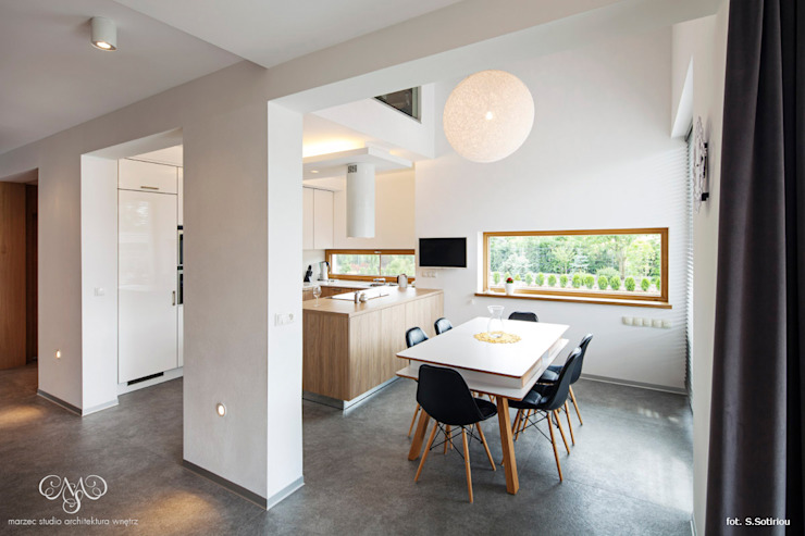 Dom w Starowej Górze Minimalistyczna kuchnia od Marzec Studio Minimalistyczny
