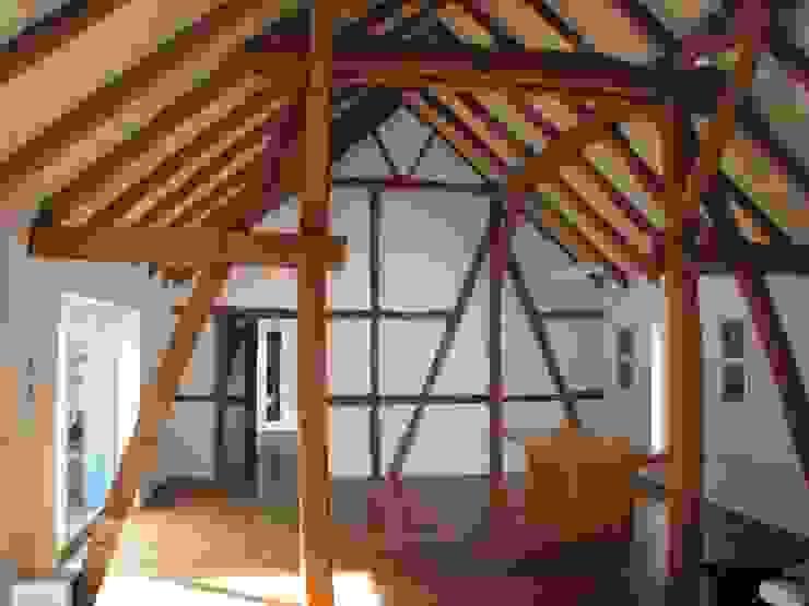 Revitalisierung Haus Z. Marburg Ausgefallene Wohnzimmer von kg5 architekten Ausgefallen