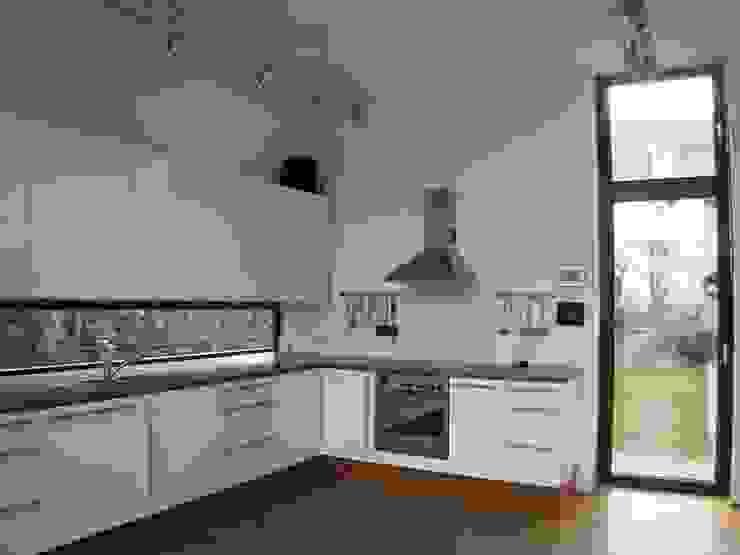Eklektyczna kuchnia od kg5 architekten Eklektyczny