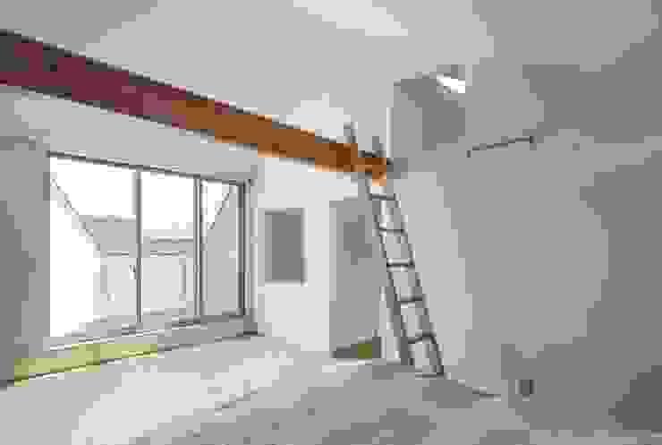 Dormitorios modernos de 一級建築士事務所 本間義章建築設計事務所 Moderno