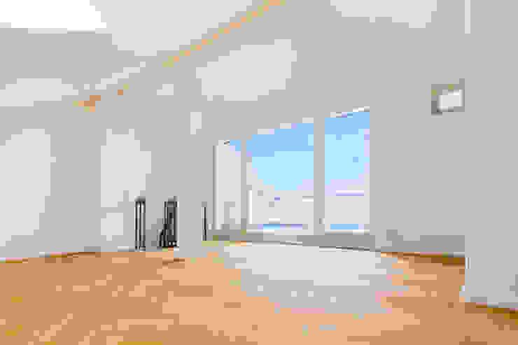 Tieckstraße 5 in Dresden Moderne Wohnzimmer von Hildebrandt Architekten Modern