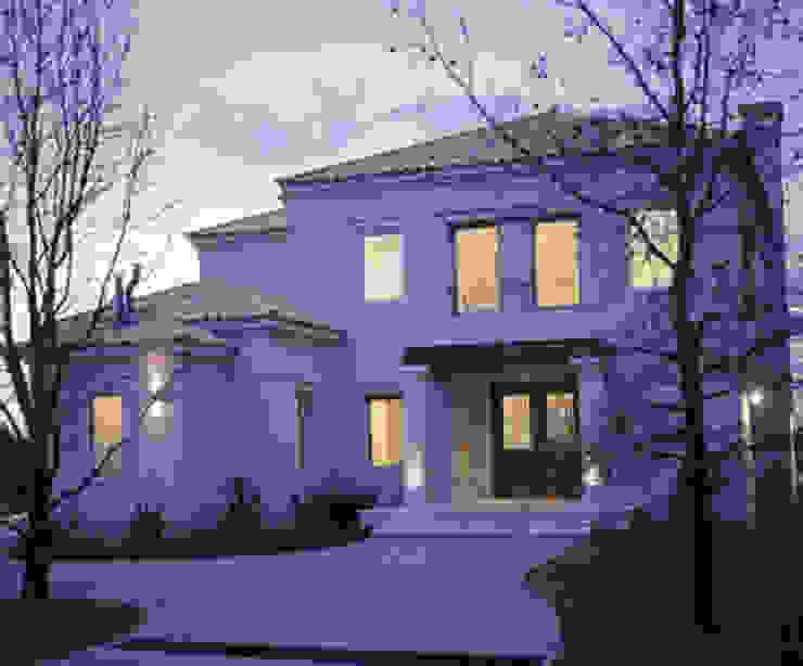 Casas modernas de JUNOR ARQUITECTOS Moderno