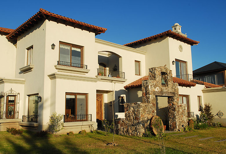 Maisons modernes par JUNOR ARQUITECTOS Moderne