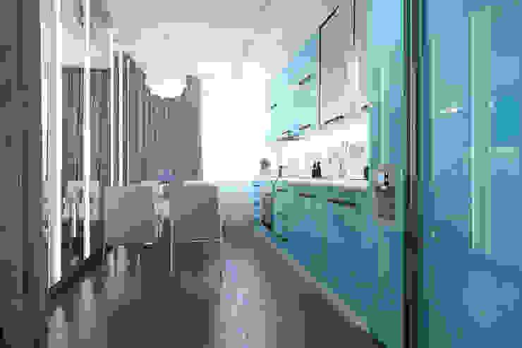 Cucina minimalista di Архитектурная мастерская 'SOWA' Minimalista