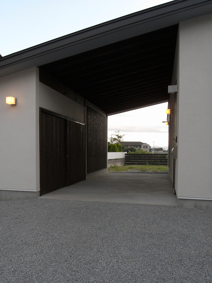 Modern Houses by 俊建築設計事務所 Modern