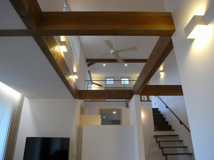 Modern Living Room by 俊建築設計事務所 Modern