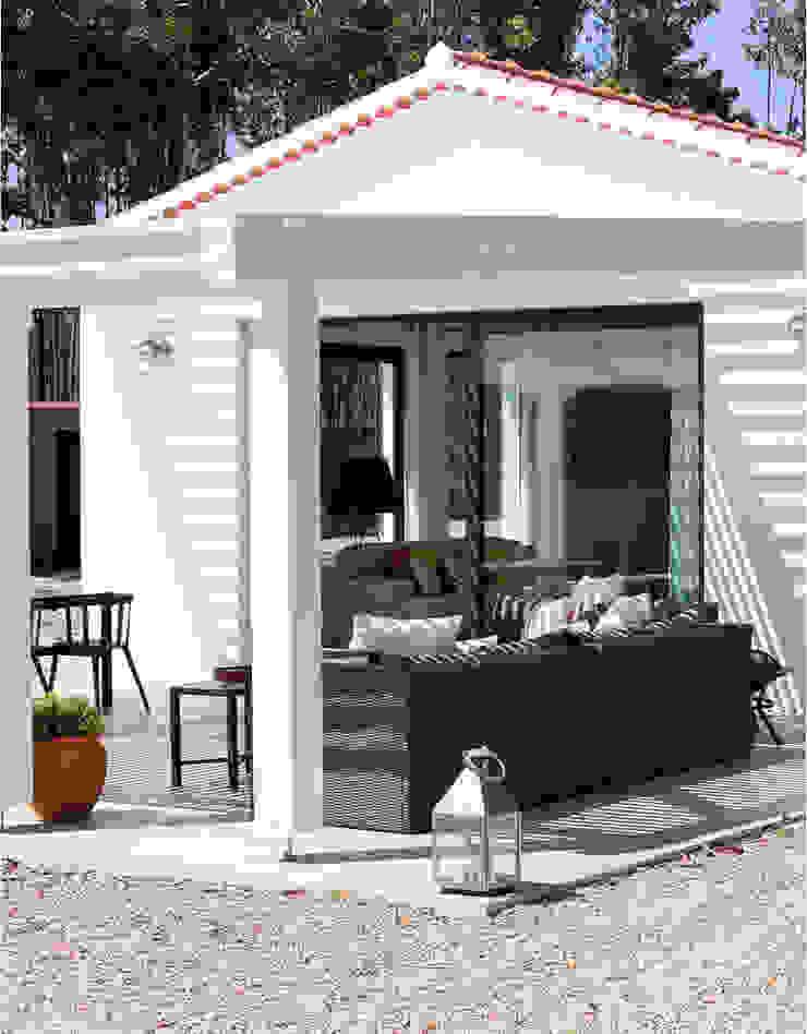 LAVRADIO DESIGN Rustic style balcony, porch & terrace