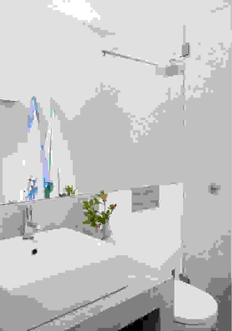 Baños de estilo rústico de LAVRADIO DESIGN Rústico