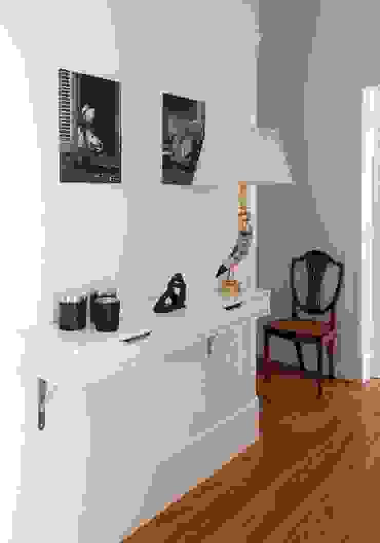LAVRADIO DESIGN Classic corridor, hallway & stairs