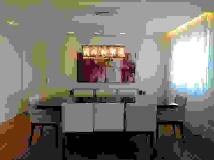Mesa de Jantar Salas de jantar modernas por Adriana Pierantoni Arquitetura & Design Moderno