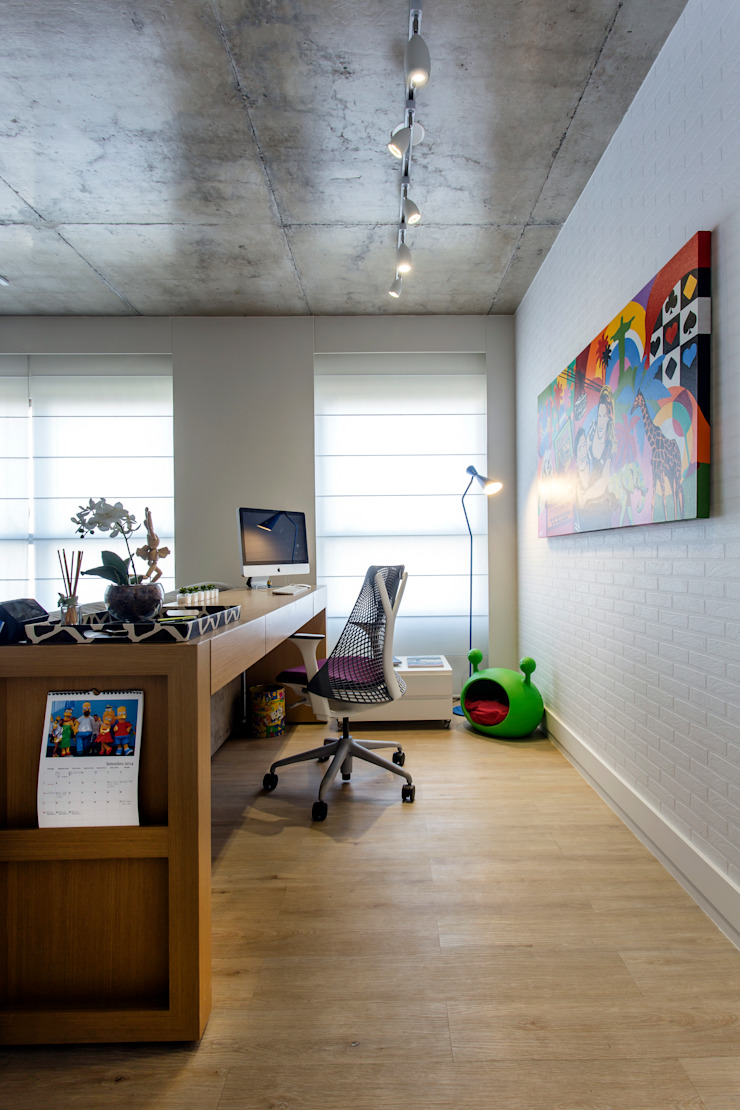 Adriana Pierantoni Arquitetura & Design Modern study/office