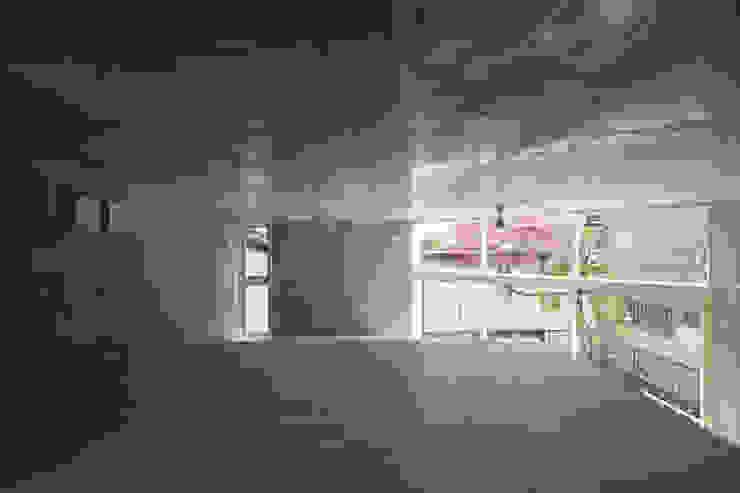 Modern Bedroom by STUDIO POH Modern