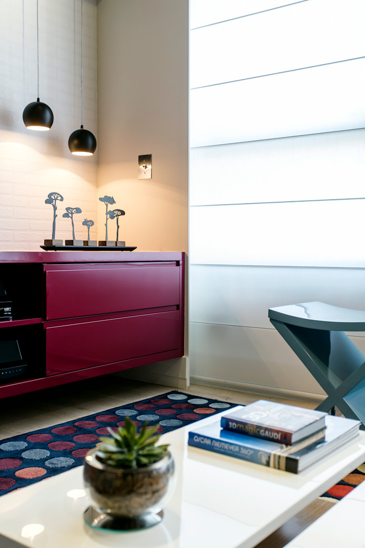 Adriana Pierantoni Arquitetura & Design Modern living room