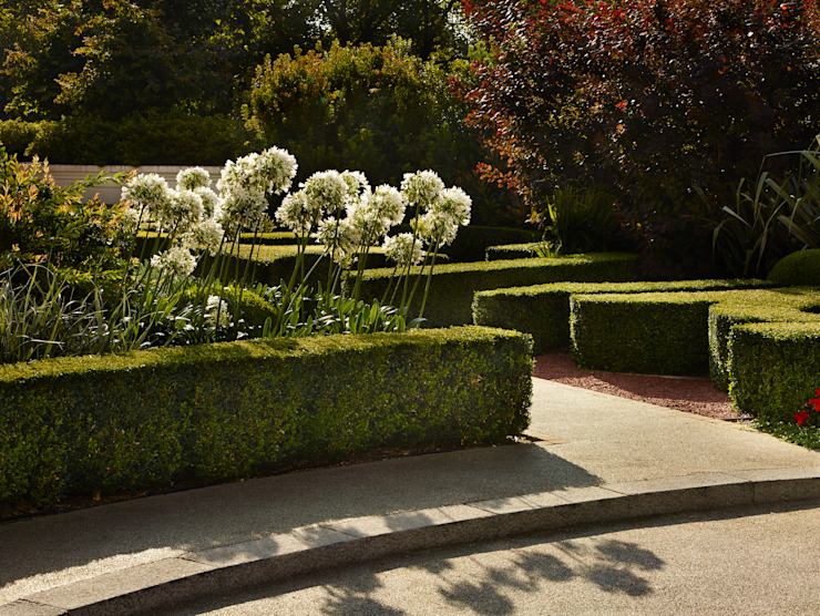 The Lancasters, London Bowles & Wyer Taman Gaya Eklektik
