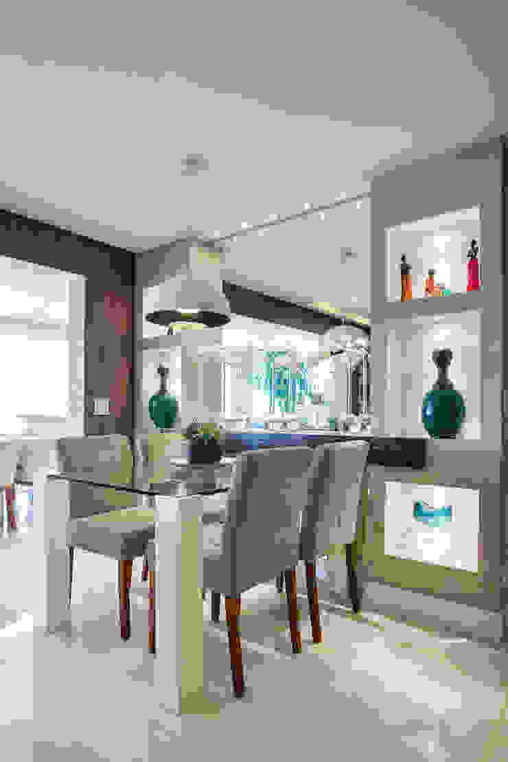Ruang Makan Gaya Eklektik Oleh Adriana Pierantoni Arquitetura & Design Eklektik