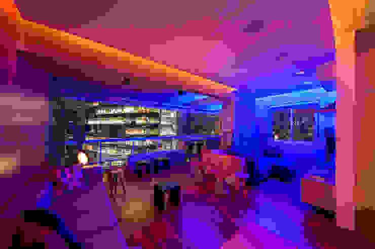 apto poledance Salas de estar modernas por Casa100 Arquitetura Moderno