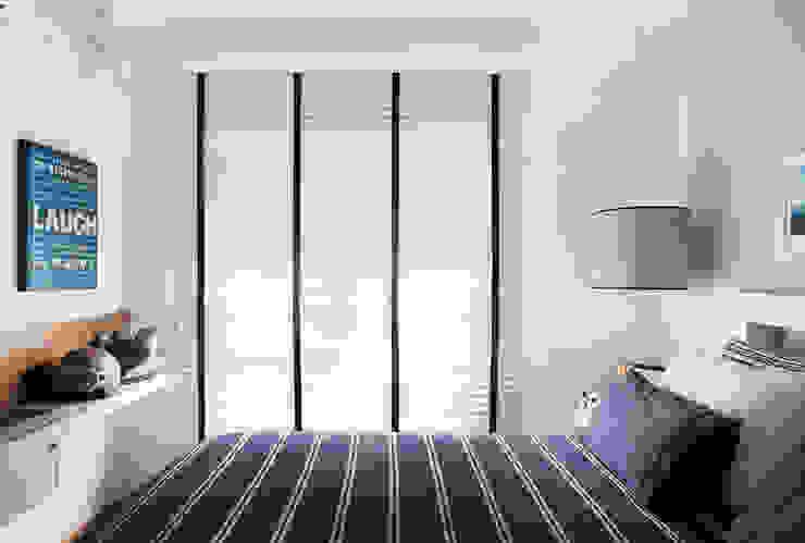 Thaisa Camargo Arquitetura e Interiores Minimalist bedroom Blue