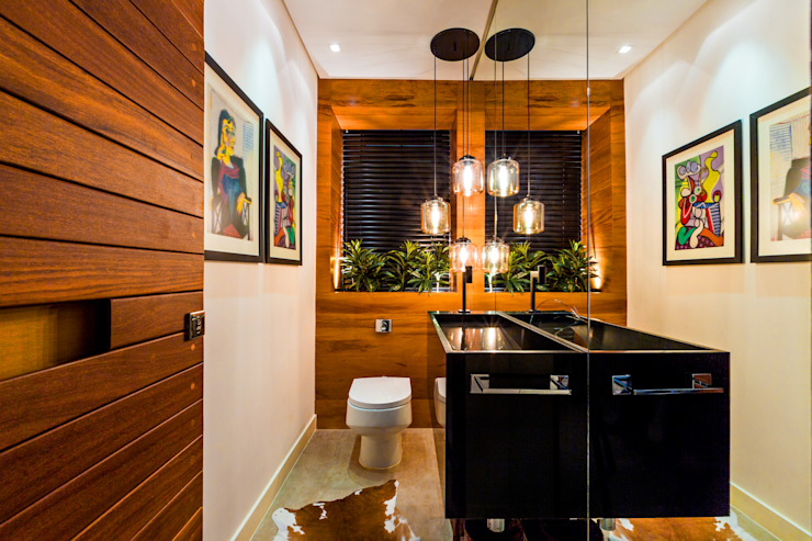 Bathroom by IE Arquitetura + Interiores,