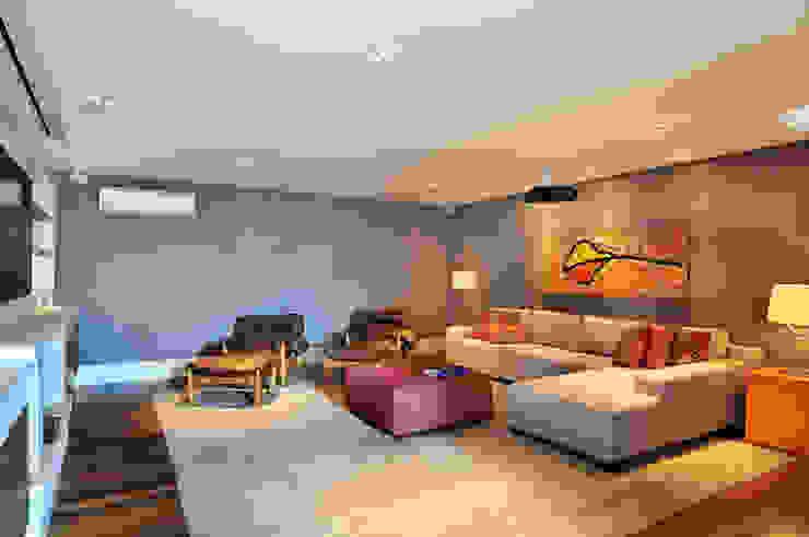 Arquitetura e Interiores Salas multimídia modernas por BRENO SANTIAGO ARQUITETURA E INTERIORES Moderno