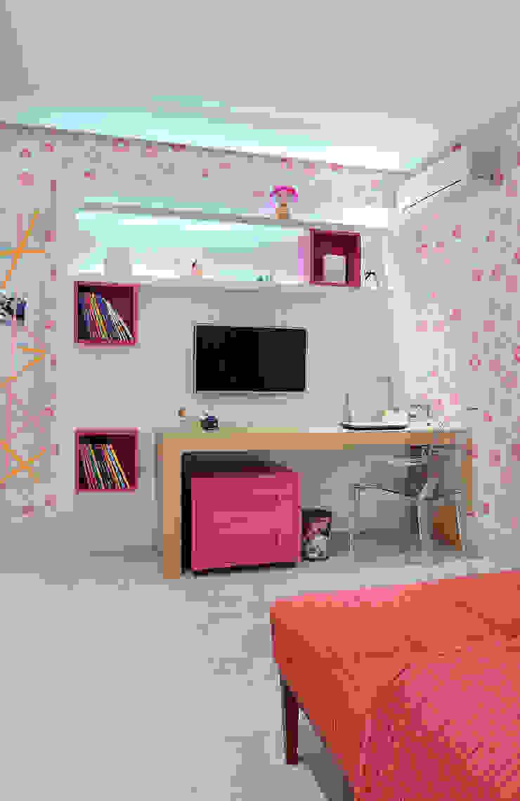 Arquitetura e Interiores Quarto infantil moderno por BRENO SANTIAGO ARQUITETURA E INTERIORES Moderno