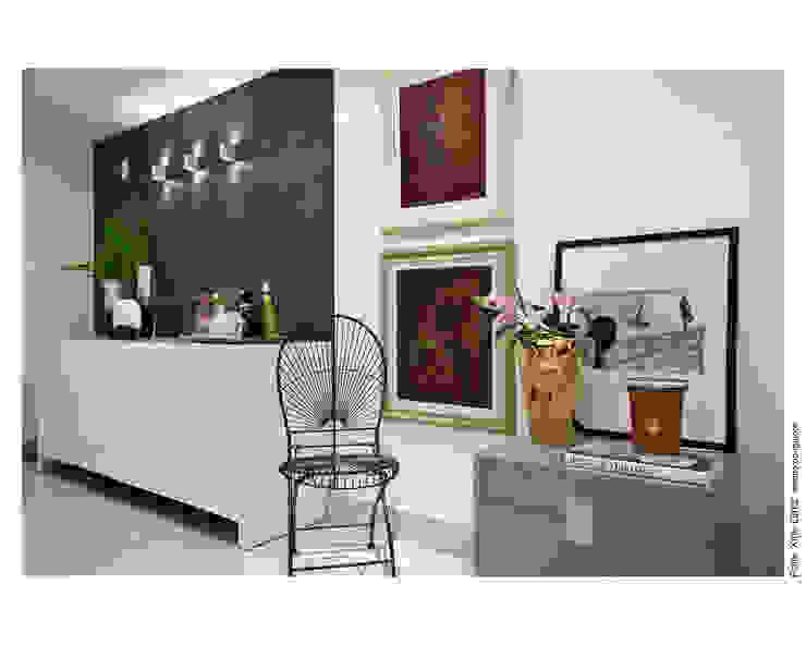Modern corridor, hallway & stairs by Wesley Lemos Arquitetura & Design Modern
