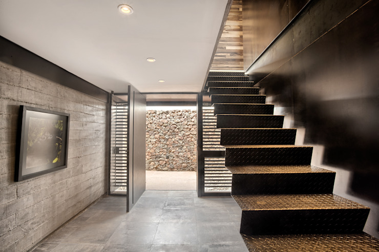Modern Corridor, Hallway and Staircase by A4estudio Modern