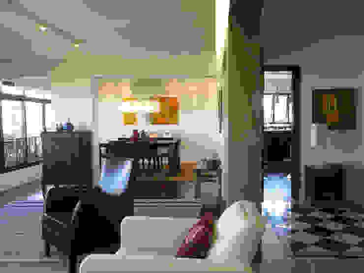 APARTAMENTO VILA MADALENA Salas de estar modernas por Bloch Arquitetos Associados Moderno