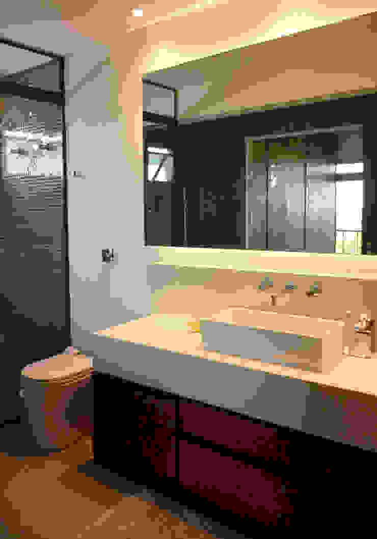 APARTAMENTO VILA MADALENA Banheiros modernos por Bloch Arquitetos Associados Moderno