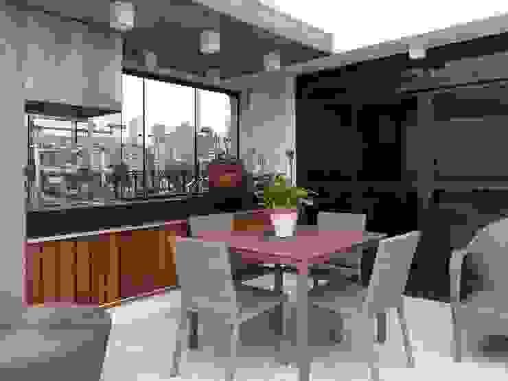 APARTAMENTO VILA MADALENA Varandas, alpendres e terraços modernos por Bloch Arquitetos Associados Moderno