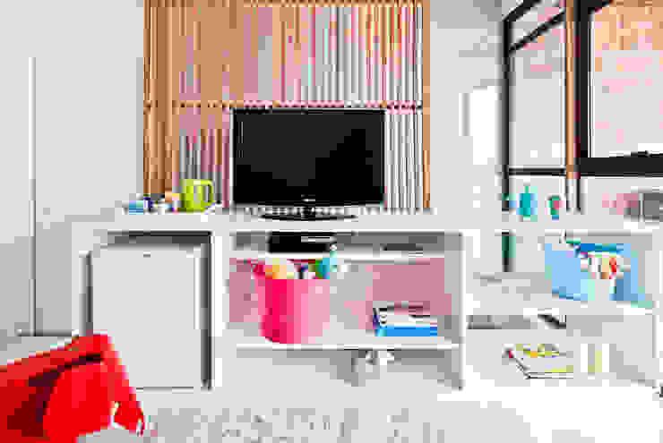 Laranja Lima Arquitetura Minimalist nursery/kids room