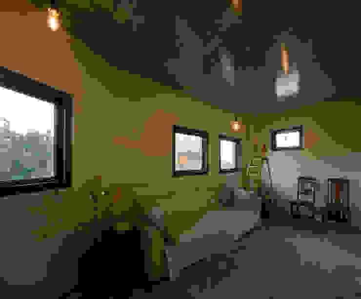 未完成なスペアルーム 和風デザインの 多目的室 の アール・アンド・エス設計工房 和風