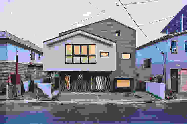 Moderne Häuser von (주)유타건축사사무소 Modern Ziegel
