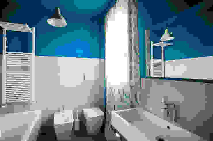 Phòng tắm phong cách Địa Trung Hải bởi Alessandro Corina Interior Designer Địa Trung Hải