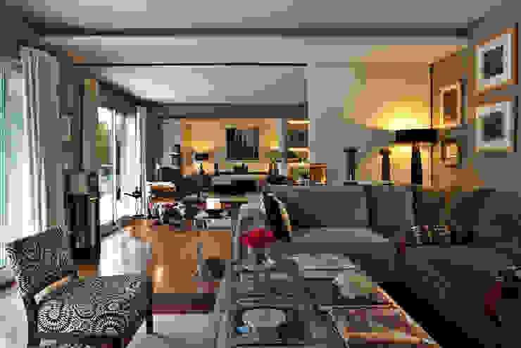 Apartamento em Cascais Salas de estar modernas por Pureza Magalhães, Arquitectura e Design de Interiores Moderno
