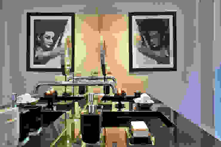 Apartamento em Cascais Casas de banho modernas por Pureza Magalhães, Arquitectura e Design de Interiores Moderno